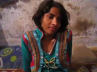 Young Pakistani Married Wife Farah